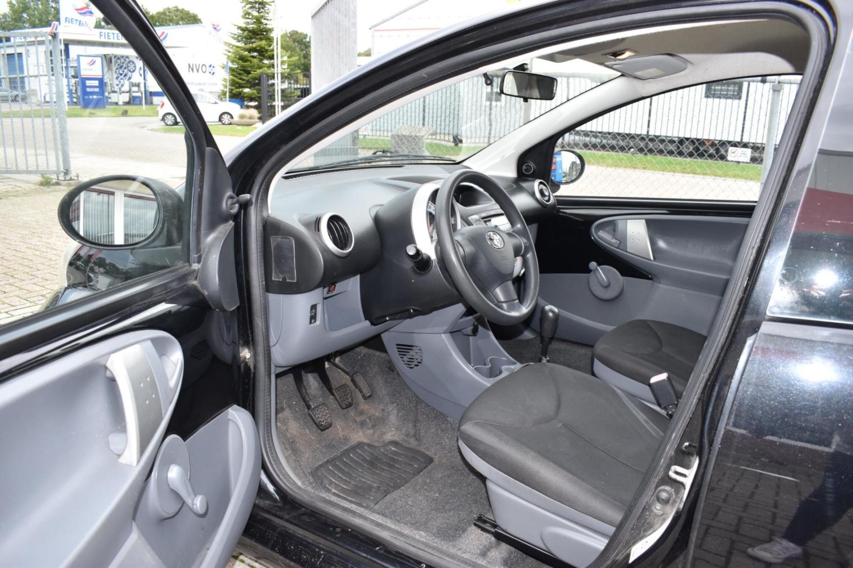 Toyota-Aygo-5